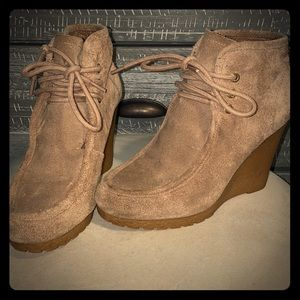 Micheal Kors Suede Wedges